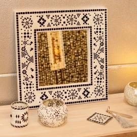 spiegel zwart-wit met mozaïek frame