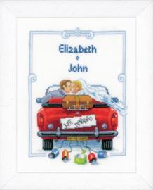 Borduurpakket: Bruidspaar in auto