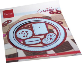 Marianne D Creatable Biscuit doily