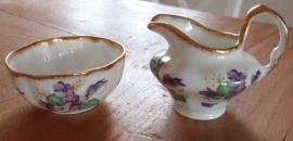 Melk en suiker setje viooltjes