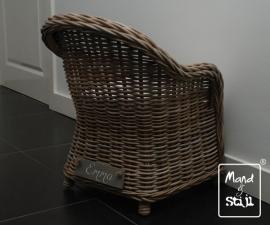 Kinderstoel met wit kussen (50x50x58cm)