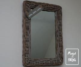 Spiegel middelgroot (64x44x3cm)