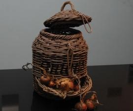 Mand voor uien (21 x 37 cm)
