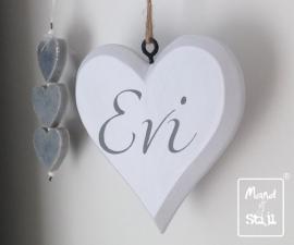Houten hart met naam in sierlijke letters (18x16cm)