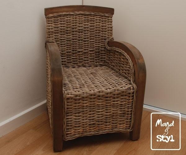 Kinderstoel met houten omlijsting (38x40x53cm)