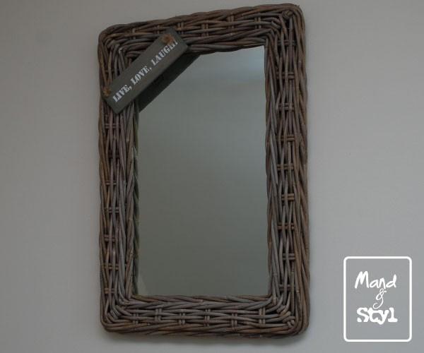 Spiegel Met Eigen Tekst.Spiegel Middelgroot 64x44x3cm Spiegels Memobord Mand