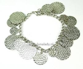 052 armband