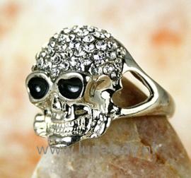 Ring met rhinestones skul  516