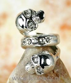 Ring met rhinestones skul  525