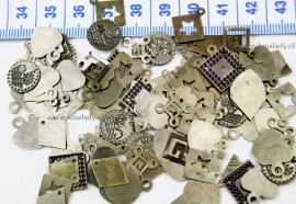 132 Charms  mix
