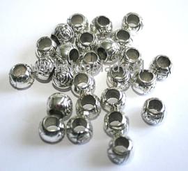 Rozen metalen kralen, platinumkleur, 25 stuks.