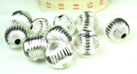 Gegolfde aluminium kralen, 25 stuks.