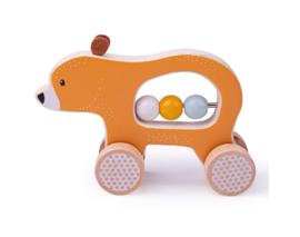 Houten beer op wielen