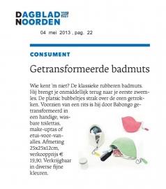 Dagblad van het Noorden 4 mei 2013 - Badmuts Toilettas rubber