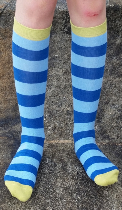 Kniekousen biokatoen streep donkerblauw - lichtblauw Duns 21/24