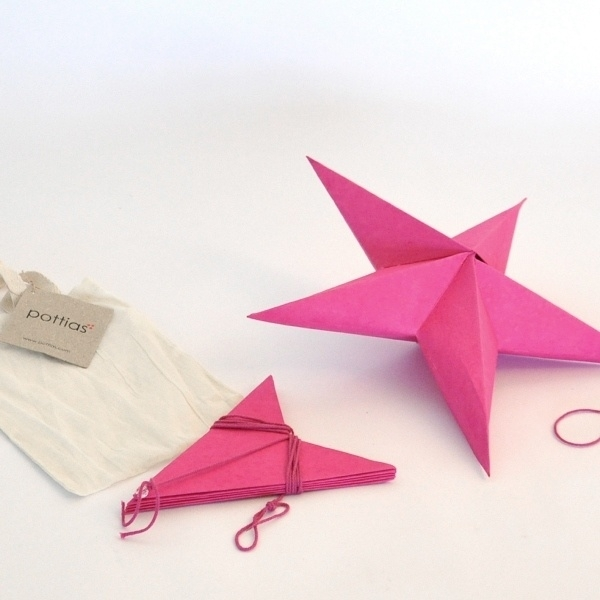 2 foldable stars from elephant poo paper