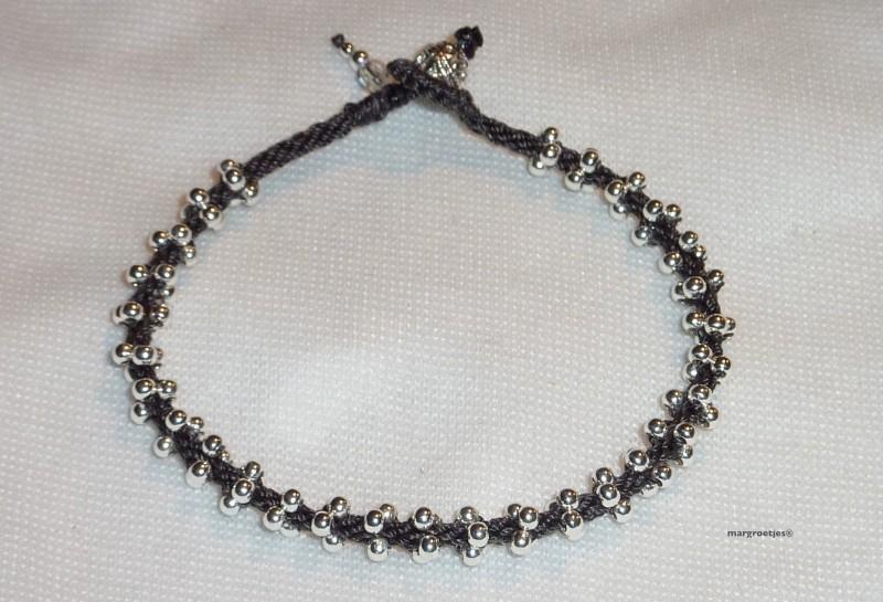 kumihimo met sterling zilveren kraaltjes     Let op: vanaf prijs