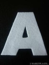 Vilt letters 8 cm groot alle letters en cijfers zijn leverbaar
