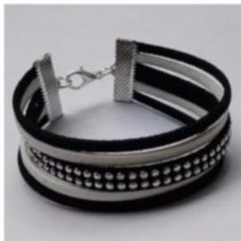 Gratis zelfmaak armband bij een bestelling vanaf €25,00