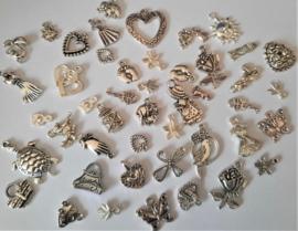Bedels en hangers / tibetaans zilver/tussenkralen