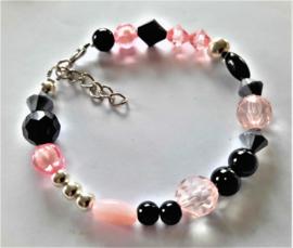 Zelfmaak armband roze zwart zilver of kant en klaar