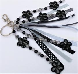 Tas/sleutelhanger in zwart of roze