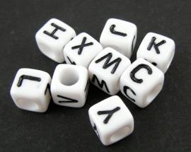 Letterkralen op alfabet 6x6mm Aantal 26