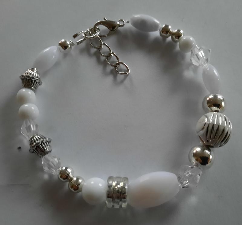 Sieraden maken  armband wit zilver