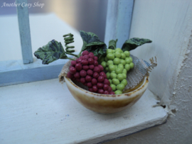 """Dollhouse miniature bowl with grapes 1""""scale"""