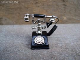 Poppenhuis miniatuur ouderwetse zwarte telefoon schaal 1:12