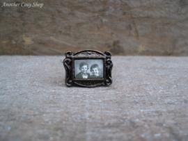 Poppenhuis miniatuur fotolijstje kinderen schaal 1:12