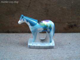 Beeldje paard wit/blauw