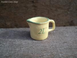 Poppenhuis miniatuur maatkan 2 liter schaal 1:12