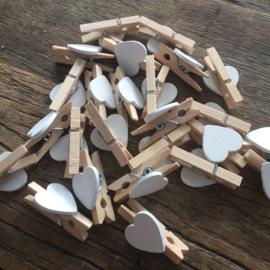 Mini knijpertje met houten hartje, per 20
