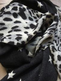 Sjaal sterren en panter black. Laatste