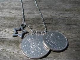 Ketting Ster en munten, zilver.