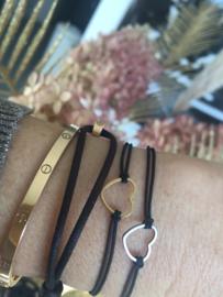 Armbandje elastiek met mini hartje