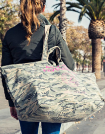 Back in stock! Big shopper camouflage  van ATF.