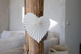 Wit papieren hart van Tindra