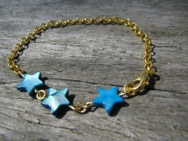 SALE. Armbandje parelmoer Ster turquoise.