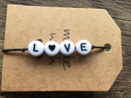 Armbandje LOVE elastiek