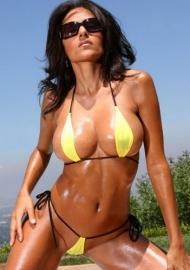 sexy string bikini geel/zwart 32 34 (P)