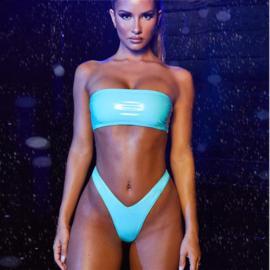 Lak string-bikini set 38 L groen