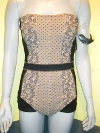 Rachel Pappo badpak Cannes 42 lingerie-look