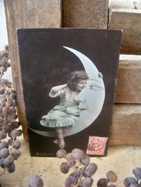 Een meisje en de maan