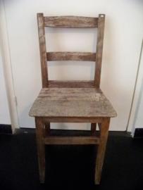 Mooie verweerde stoel