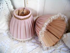Setje oud-roze lampenkapjes