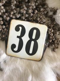 Huisnummer 38