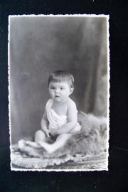 Oude foto van baby