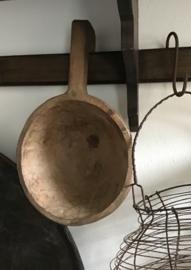 Oude houten schepnap